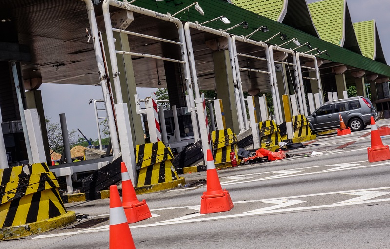 The RFID implementation is an early step towards a Multi Lane Free Flow (MLFF) system in highways. — Picture by Shafwan Zaidon