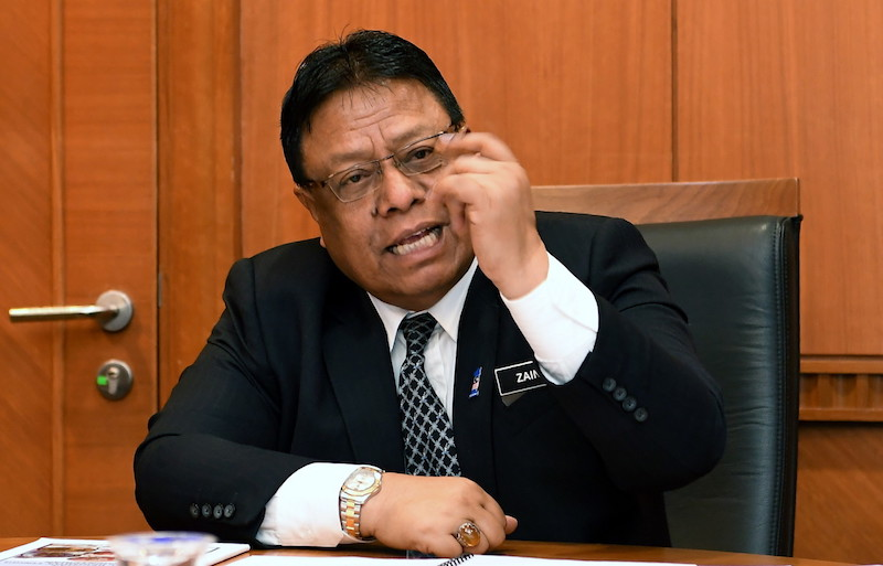 Public Services Commission chairman Tan Sri Zainal Rahim Seman said annually, the PSC had been recruiting about 13,000 to 15,000 eligible candidates for permanent employment. — Bernama pic