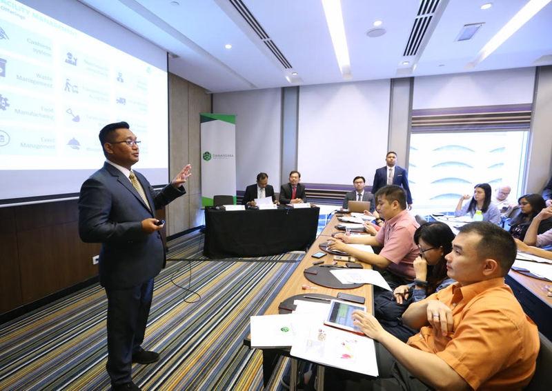 Group CEO Brian Iskandar Zulkarim (left) giving a media briefing on Damansara Realty's performance in 2017 in Kuala Lumpur February 13, 2018. — Picture by Zuraneeza Zulkifli