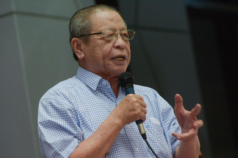 Lim said he hoped to see six voting pattern changes, or what he called 'tsunamis', in the elections this year. — Picture by Mukhriz Hazim