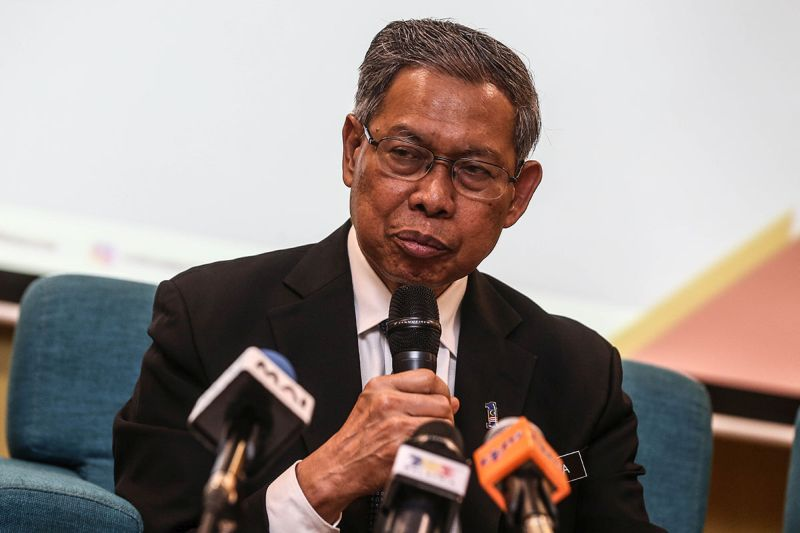 Datuk Seri Mustapa Mohamed said current developments related to the Covid-19 pandemic do not affect the country's economic recovery during the RMCO period. — Picture by Hari Anggara