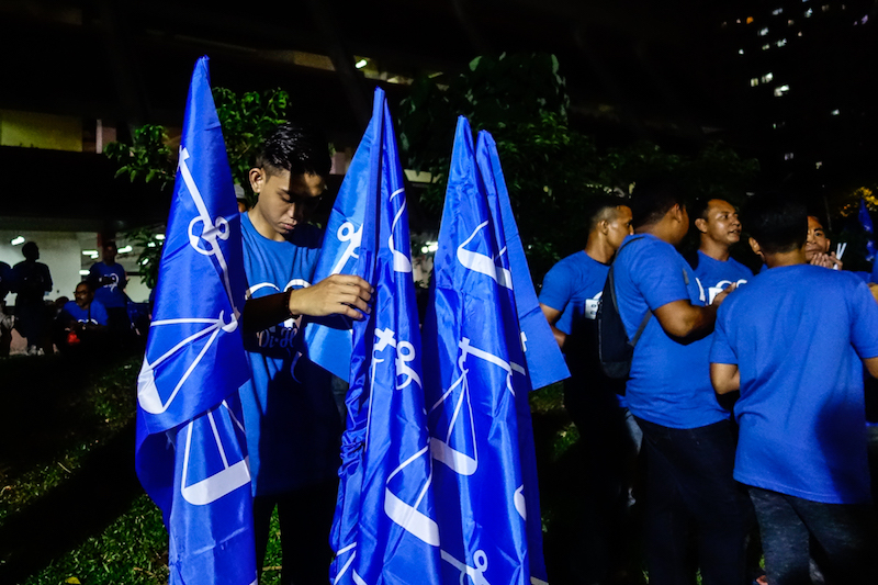 IPF vice-president K.Velayutham mentioned that the party had stood behind BN and has been aiding indian community for the past 28 years. — Picture by Shafwan Zaidon