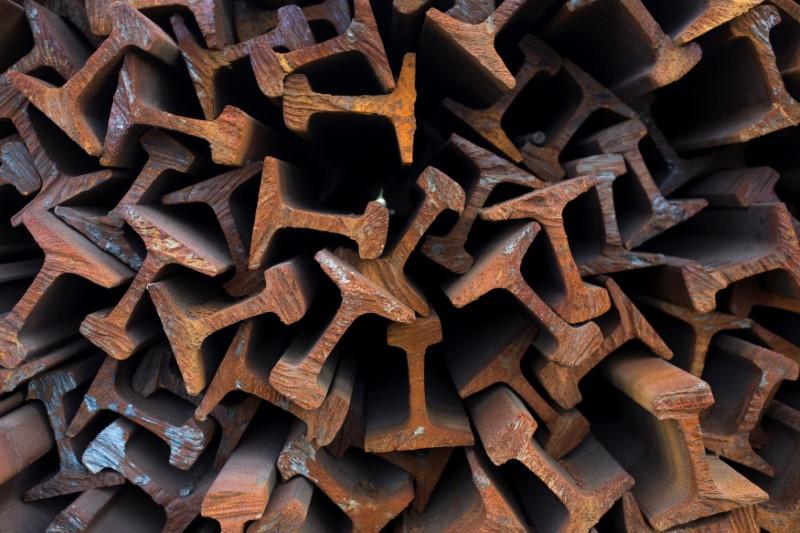美国对进口钢铝加征关税,邻国加拿大受冲击最深。-路透社-