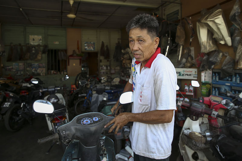 Teh wants the goods and services tax on motor vehicles spare parts lowered. — Picture by Yusof Mat Isa