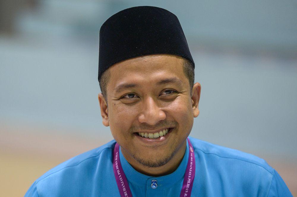 Kota Anggerik assemblyman Mohd Najwan Halimi is seen in Shah Alam April 28, 2018. ― Picture by Mukhriz Hazim