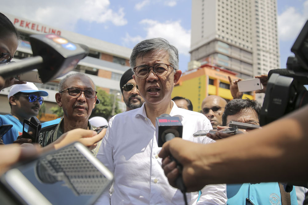 Tian Chua said he will spend the remainder of the campaign period helping Prabakaran win the federal seat. — Picture by Yusof Mat Isa