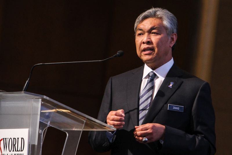 Datuk Seri Dr Ahmad Zahid Hamidi said move to expel 16 Umno members from five states who were sacked for filing a judicial review to dissolve Umno at the Kuala Lumpur High Court was in accordance with the resolution in the Umno constitution and regulations. — Picture by Shafwan Zaidon