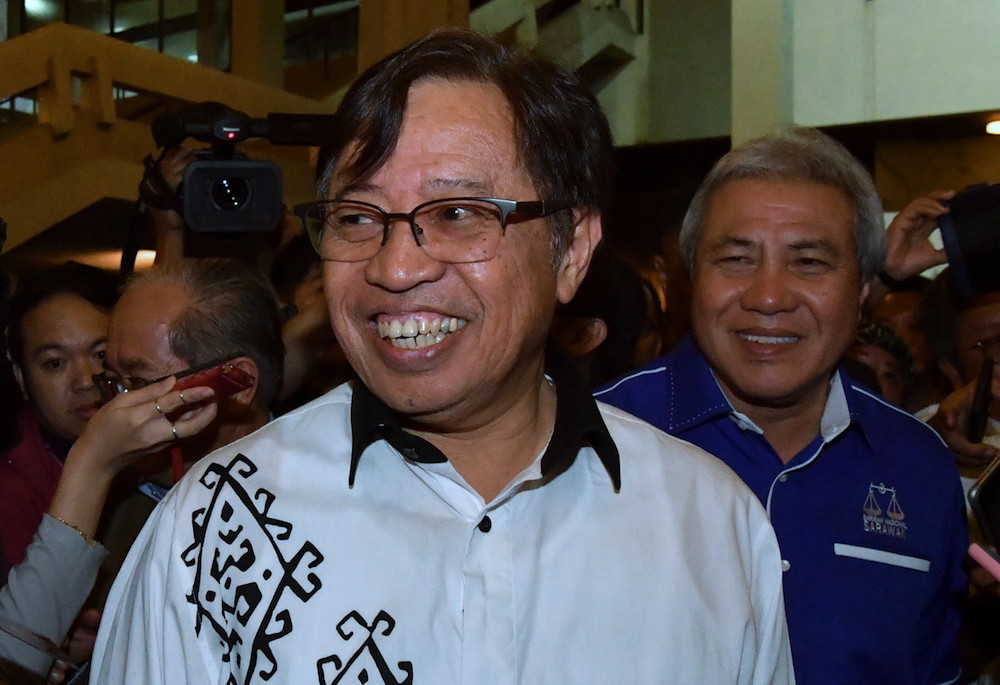 Sarawak Chief Minister Datuk Abang Johari Openg today asked Petronas to share its seismic data on oil and gas reserves in the state's territorial boundary with Petros. — Bernama pic