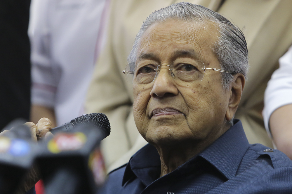 Dr M has asked for evidence that over RM200 billion will possibly be lost if the KL-Singapore High-Speed Rail (HSR) project is called off. — Picture by Yusof Mat Isa