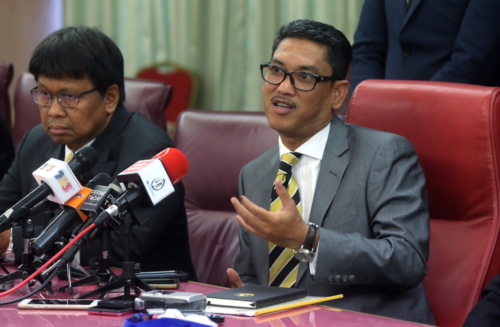 Perak Mentri Besar Ahmad Faizal Azumu says the state government's 10 per cent discount for water bills only applies to the first 20 cubic metres of usage. — Picture by Farhan Najib