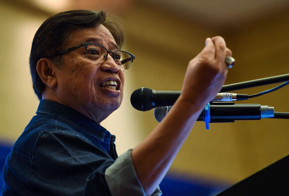 Datuk Patinggi Abang Johari Openg today said that Sarawak will be a territory only after the Federal Constitution has been amended. — Bernama pic
