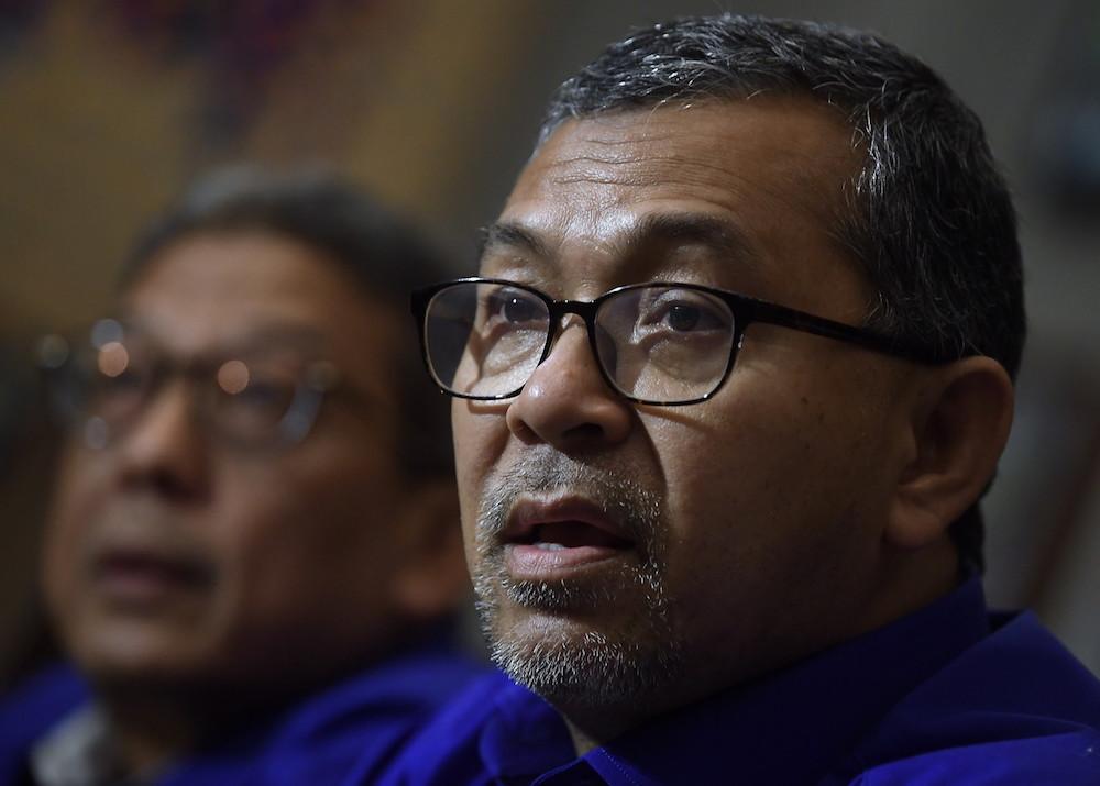 Datuk Seri Azlan Man said that he underwent a Covid-19 screening test at Tuanku Fauziah Hospital (HTF) this morning.— Bernama pic