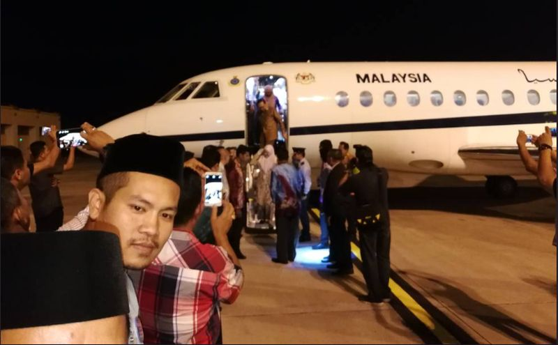 The private jet Datuk Seri Anwar Ibrahim used. — Picture courtesy of twitter.com/TheDukeofKL