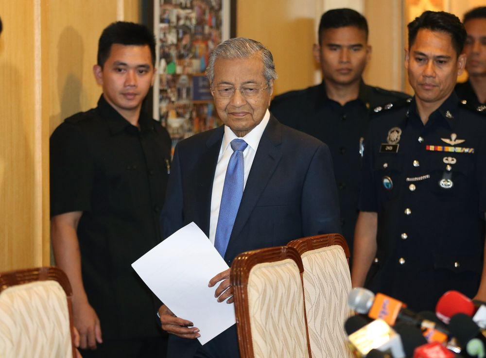 Mahathir said Malaysia would reach out to Switzerland, the United States, Singapore and Luxembourg to return any 1MDB funds they may have received. ― Picture by Razak Ghazali