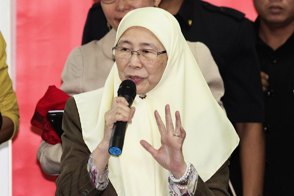 Deputy Prime Minister Datuk Seri Dr Wan Azizah Wan Ismail today called on private medical practitioners to do more in supporting non-state actors, which is the third pillar in the country, by providing their services to the needy and marginalised. — Picture by Miera Zulyana