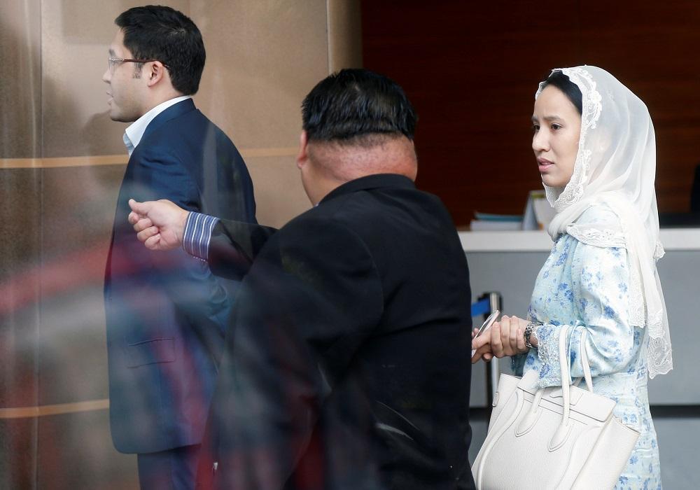 Nooryana Najwa Najib and her husband Daniyar Kessikbayev (left) accompany her mother Datin Seri Rosmah Mansor to the Malaysian Anti-Corruption Commission in Putrajaya June 5, 2018. — Reuters pic