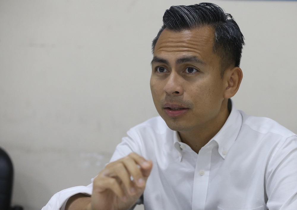 Fahmi (pic) urged the authorities to take immediate action over the matter to stop Lokman from making further 'baseless' statements. — Picture by Zuraneeza Zulkifli