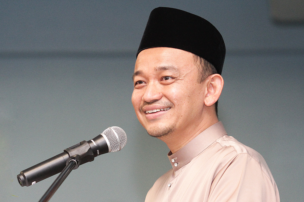 Education Minister Maszlee Malik has instructed public universities today to remove barrier poles at the main entrances of their campuses. — Picture by Miera Zulyana