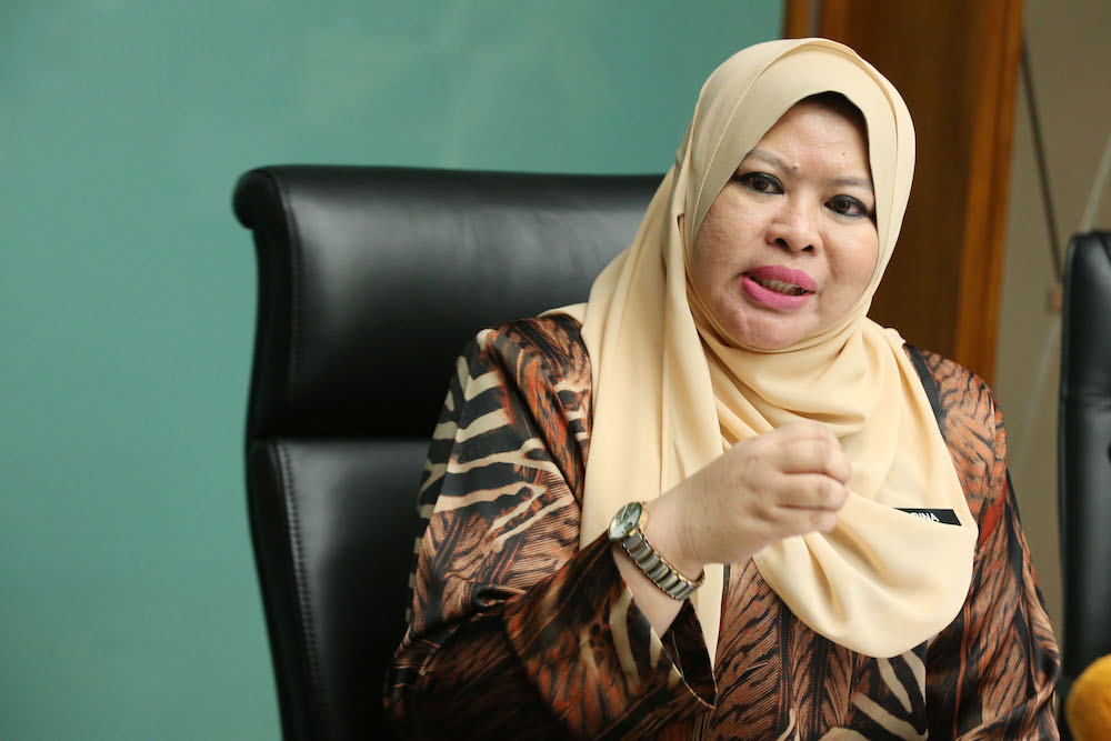 Rural and Regional Development Minister Datuk Seri Rina Harun today assured that the MARA will remain as a single entity under her ministry. — Picture by Azinuddin Ghazali