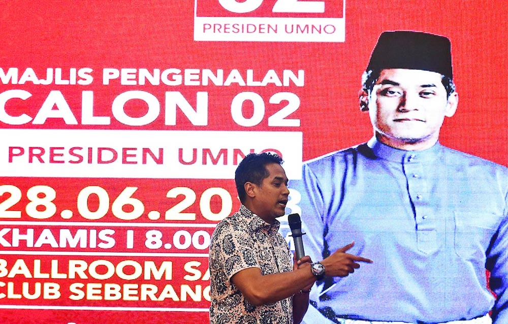Some analysts felt that Khairy Jamaluddin's journey in Umno has yet to come to an end. — Picture by Sayuti Zainudin