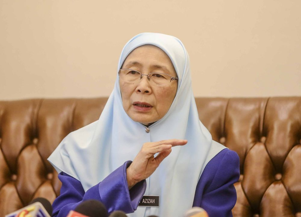 Deputy Prime Minister Datuk Seri Dr Wan Azizah Wan Ismail speaks during a press conference at Perdana Putra Complex in Putrajaya June 8, 2018. — Picture by Firdaus Latif