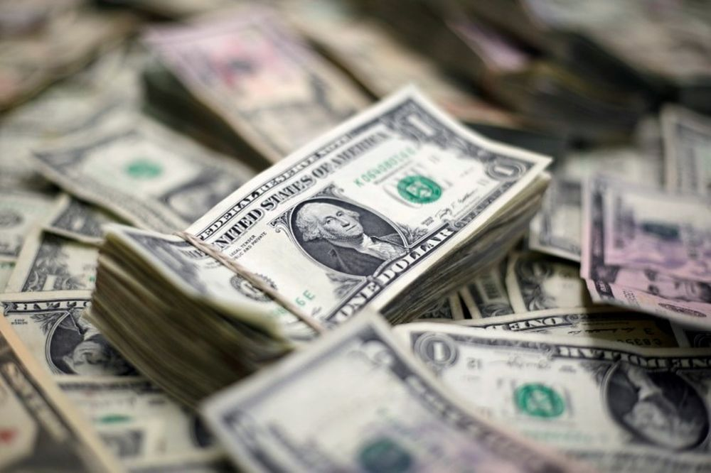 Positioning data showed investors are overwhelmingly short on the dollar, betting budget and current account deficits will weigh on the greenback. — Reuters pic