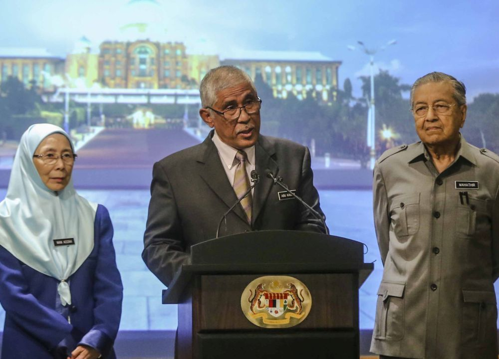 Tan Sri Abu Kassim Mohamed speaks during a press conference at the Perdana Putra Complex in Putrajaya June 8, 2018. — Picture by Firdaus Latif