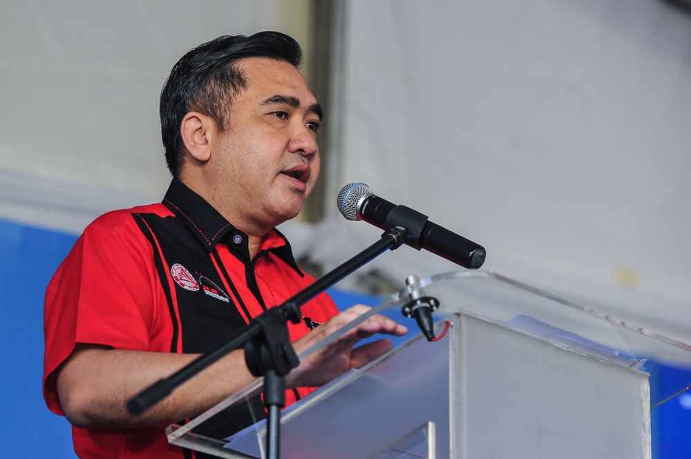 Transport Minister Anthony Loke speaks during the Hong Leong Yamaha Balik Kampung road safety programme in Sungai Besi June 8, 2018. — Picture by Shafwan Zaidon