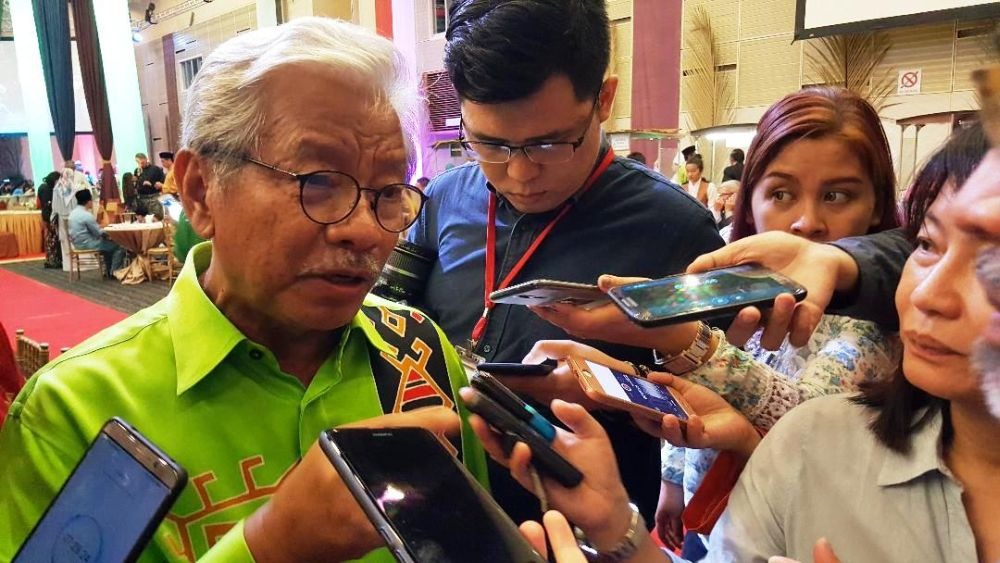 Deputy Chief Minister Tan Sri Dr James Masing says if Prime Minister Tan Sri Muhyiddin Yassin calls for snap polls this year, Sarawak will hold the state election simultaneously with the general election. — Picture by Sulok Tawie