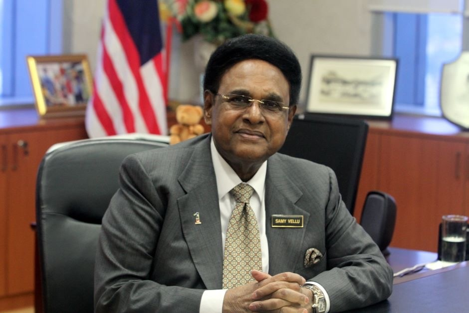 Among those terminated are former ministers and BN component leaders Tun S. Samy Vellu (pic) and Tan Sri Ong Ka Ting. — Malay Mail pic