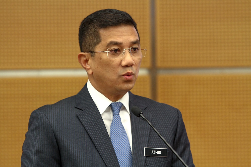 Economic Affairs Minister Datuk Seri Mohamed Azmin Ali said Malaysia will send an official representative to Singapore to discuss the High-Speed Rail project by the end of the month. — Picture by Mukhriz Hazim