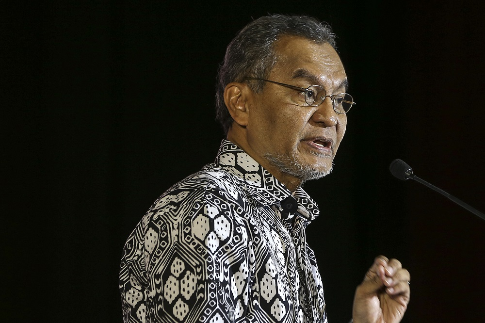 Datuk Seri Dr Dzulkefly Ahmad said the use of drone technology was seen to help detect Aedes mosquitoes more effectively, especially in areas where it was difficult to gain access especially at high points including rooftops. — Picture by Azneal Ishak
