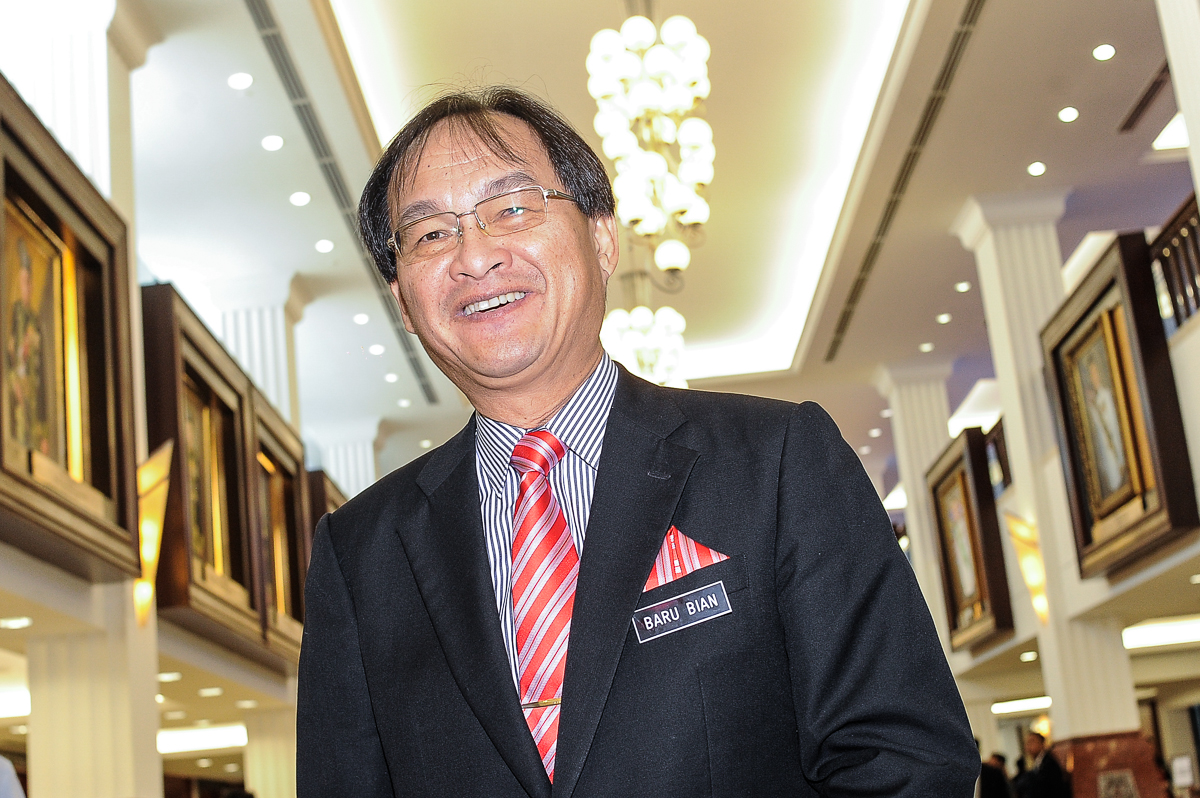 Ba' Kelalan assemblyman Baru Bian (pic) said Sarawakians could have benefited from the State Sovereign Fund, especially during the Covid-19 pandemic. — Picture by Shafwan Zaidon