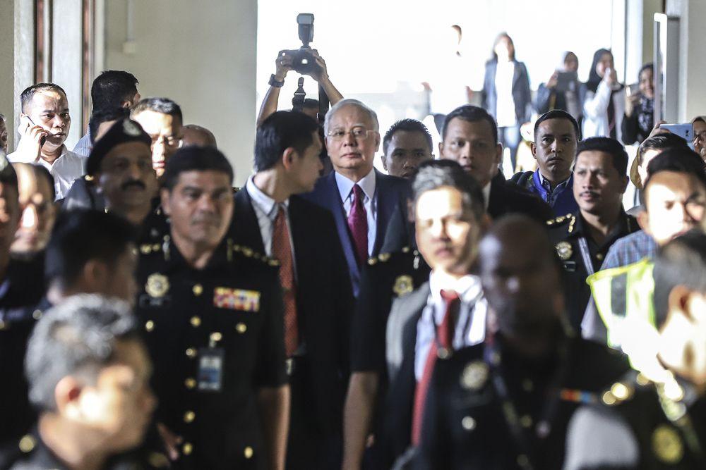 Datuk Seri Najib Razak arrives at the Kuala Lumpur High Court, July 4, 2018.  ― Picture by Azneal Ishak