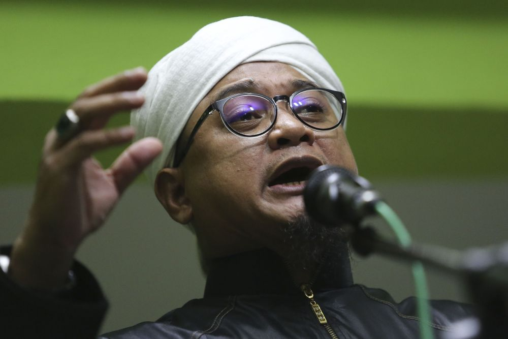 PAS information chief Nasrudin Hassan says he is confident there will be no objection from his  colleagues to the Pakatan Harapan administration's initiative to combat corruption. ― Picture by Yusof Mat Isa