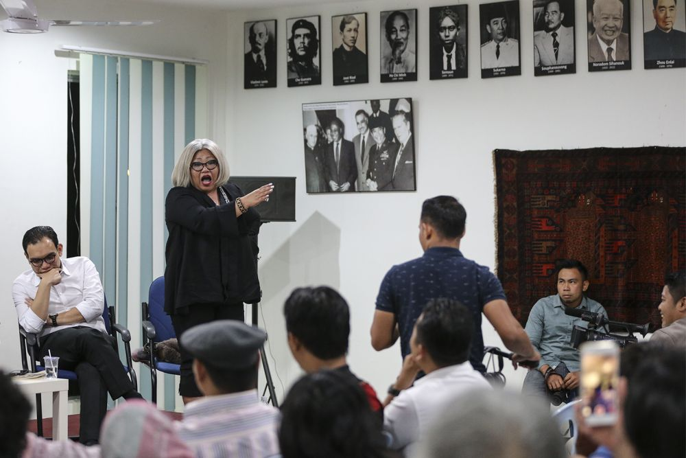 Lawyer and social activist Siti Kasim speaks during the 'Religious Tolerance and New Malaysia' forum at Gerak Budaya in Petaling Jaya July 30, 2018. ― Picture by Azneal Ishak