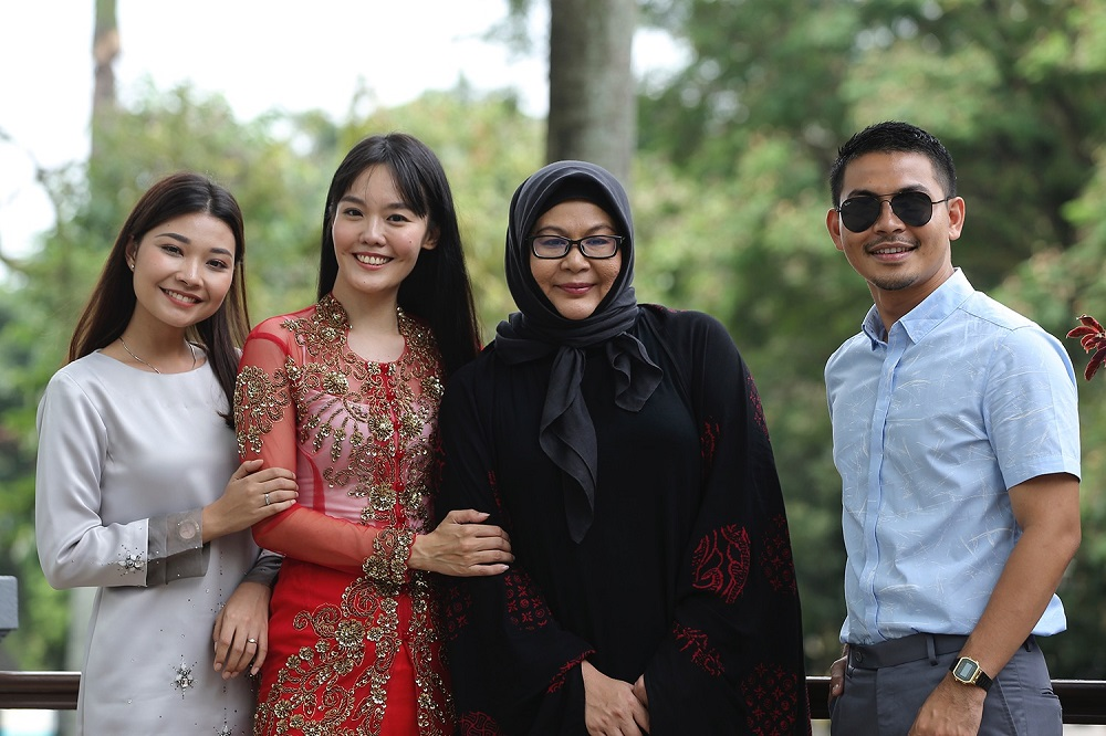 The cast of Tanah Akhirku' (from left) Nina Nadira, Lim Mei Fen, Erma Fatima and Izzue Islam. — Picture by Azneal Ishak