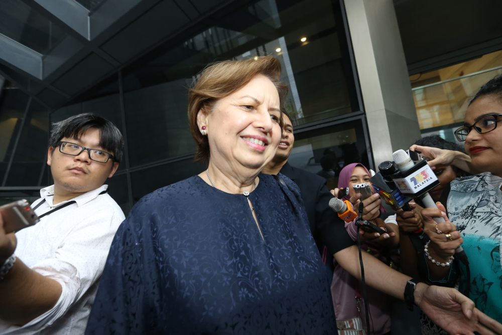 On Tuesday, Zeti said the claims brought against her by the former prime minister were false, revealing she was instead forced to pen a letter to vindicate him. ― Picture by Zuraneeza Zulkifli
