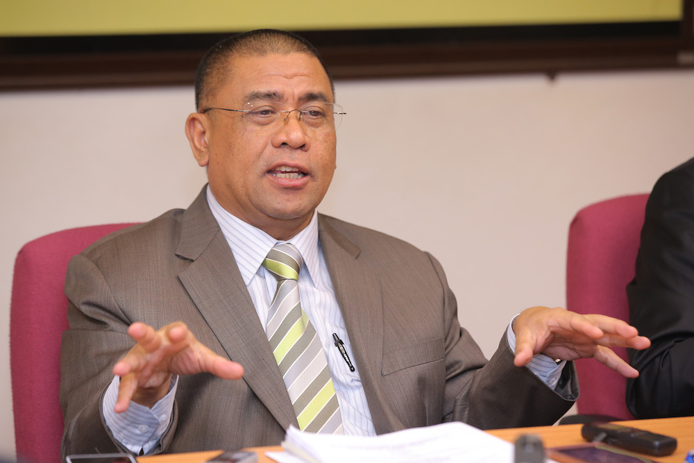 Datuk Saarani Mohamad said the matter would be raised in the next state government meeting. — Picture by Marcus Pheong