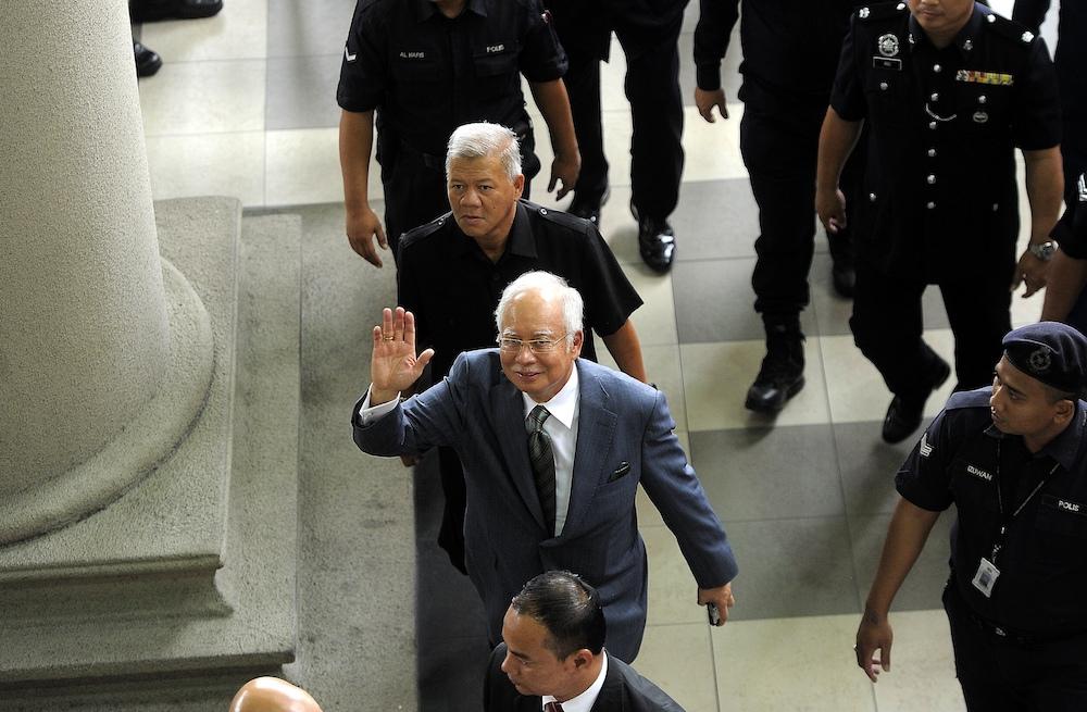 Former prime minister Datuk Seri Najib Razak arrives at the Kuala Lumpur Court Complex, August 8, 2018. — Picture by Shafwan Zaidon