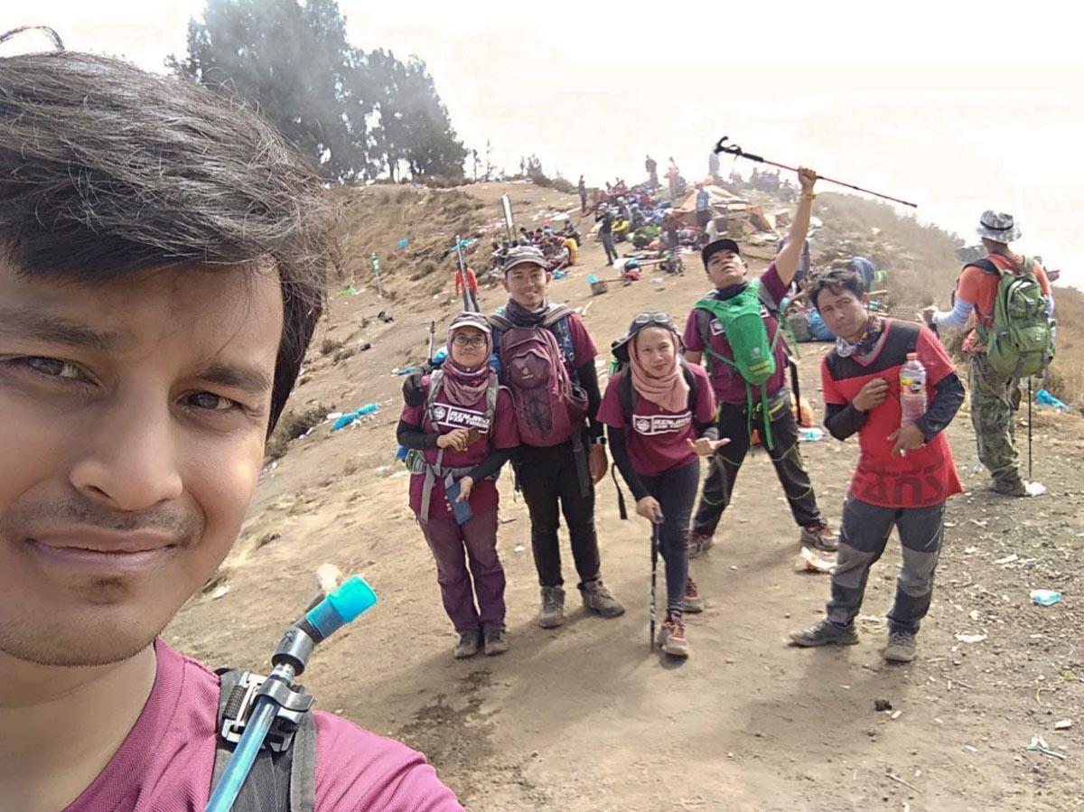 A group photo of Watawa Nataf Zulkifli (second right) along with his group on Mount Rinjani at Lombok, Indonesia. — Picture courtesy of Watawa Nataf Zulkifli
