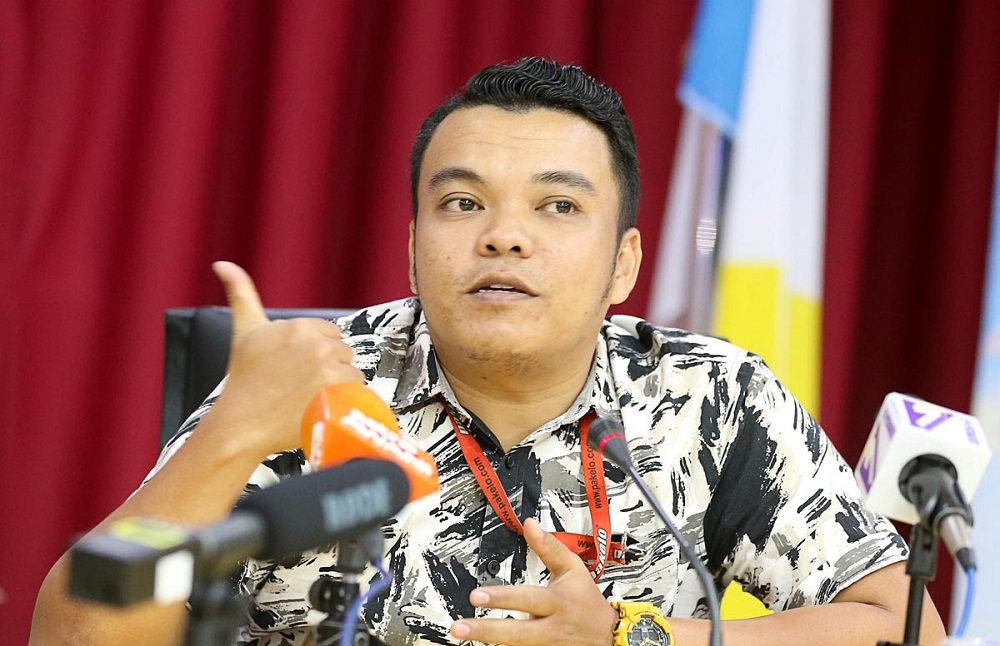 Watawa Nataf Zulkifli speaks during a press conference at the Komtar building in George Town August 1, 2018. — Picture by Sayuti Zainudin