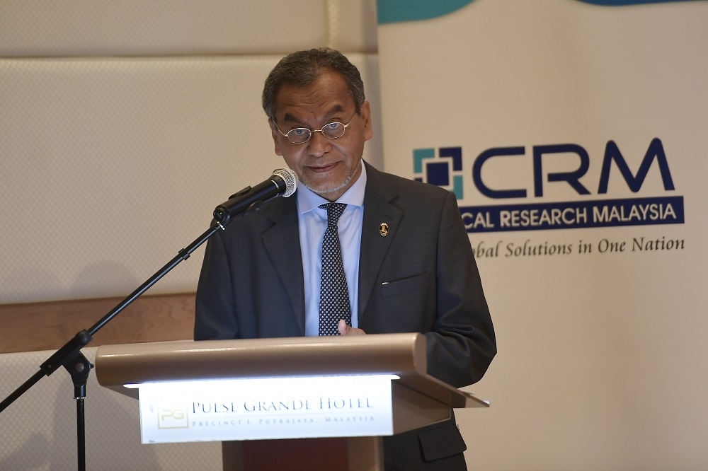 Health Minister Dzulkefly Ahmad delivers his speech before the signing of the MoU between Clinical Research Malaysia and the Foundation for Innovative New Diagnostics in Putrajaya August 6, 2018. — Picture by Azinuddin Ghazali