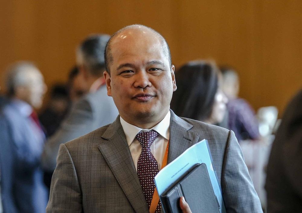 Datuk Shahril Ridza Ridzuan succeeded Tan Sri Azman Mokhtar as Khazanah Nasional managing director on August 20, 2018. — Picture by Firdaus Latif