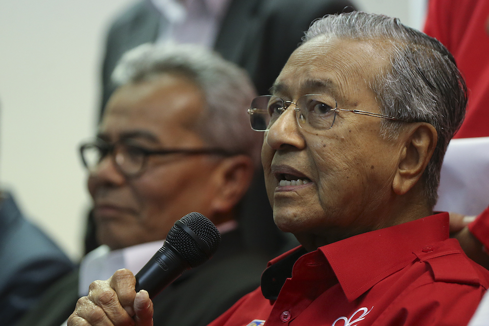 The PM reportedly said the sum was 'almost the same' as what is owed by the controversial 1MDB. — Picture by Azneal Ishak