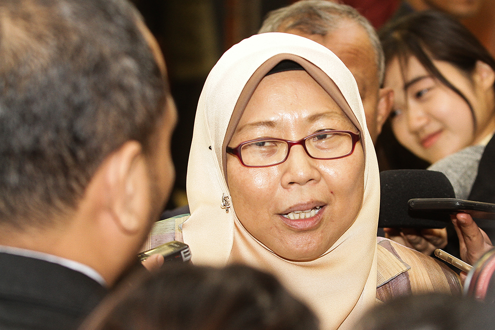 Kuantan Member of Parliament Fuziah Salleh today urged MCMC to investigate the officer who had distributed photographs of her while recording her statement at the Kuantan district police headquarters last Friday. — Picture by Miera Zulyana