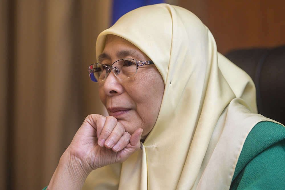 Wan Azizah advised the LGBT community against seeking to 'glamourise' their private lives. — Picture by Mukhriz Hazim