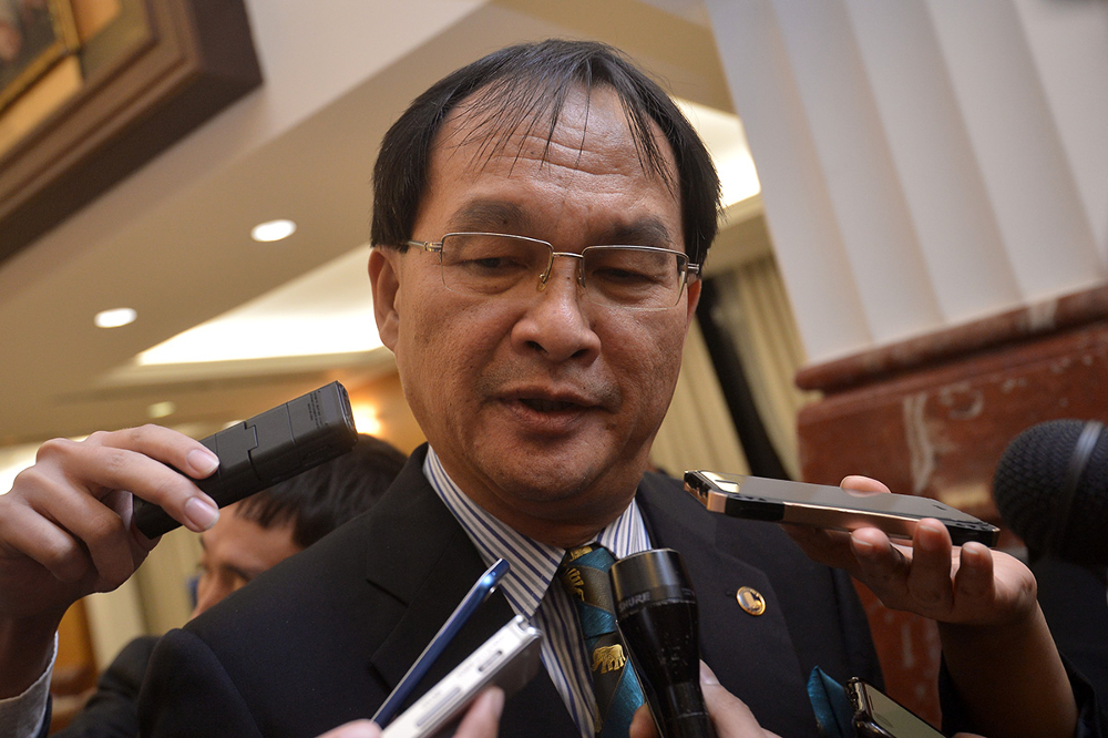Selangau MP Baru Bian said the money would be better spent by the Communications and Multimedia Ministry to provide internet access to 830 schools in Sarawak that have poor internet access or none at all. — Picture by Mukhriz Hazim