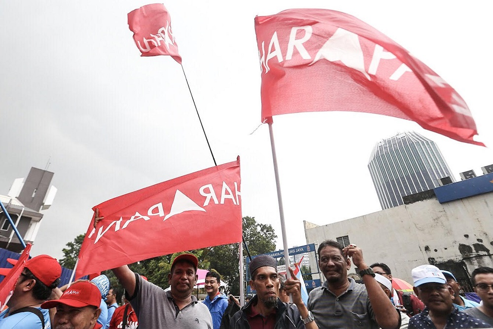 Pakatan Harapan is expected to face a tough battle in in Tanjung Piai, a highly mixed parliamentary seat in Johor won by Bersatu's Datuk Dr Md Farid Md Rafik in last year's general election. — Picture by Hari Anggara