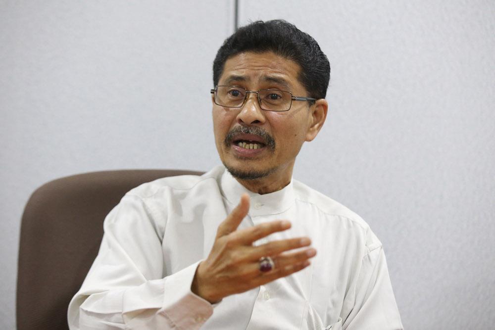 Kapar MP Datuk Abdullah Sani Abdul Hamid speaks to Malay Mail at his office in Kapar August 28, 2018. — Picture by Azinuddin Ghazali